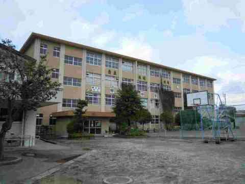 甲南中学校(約600m)